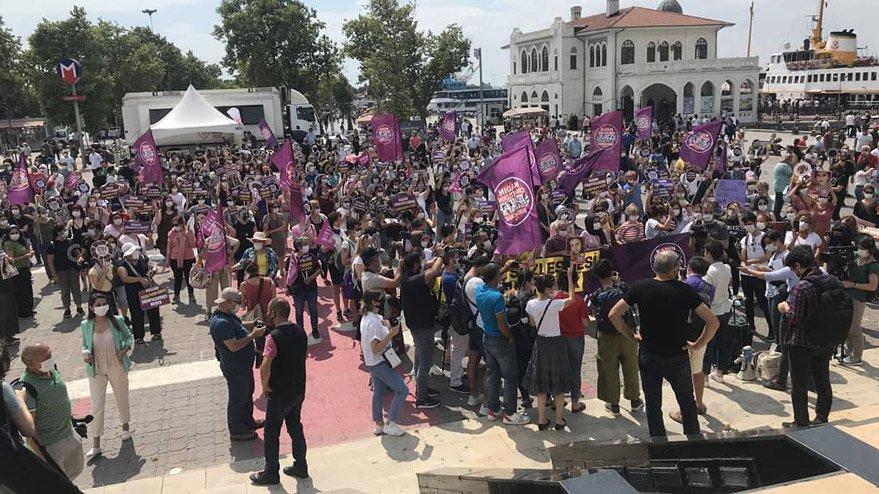Cinayet ve şiddet mağduru kadınlar meydanlarda haykırdı: İstanbul Sözleşmesi uygulansın!