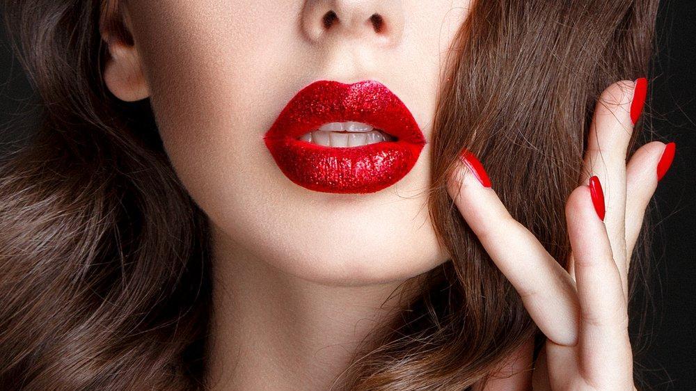Kalıcı ruj nasıl çıkartılır? Dudaklara zarar vermeyen makyaj çıkarma yöntemleri…