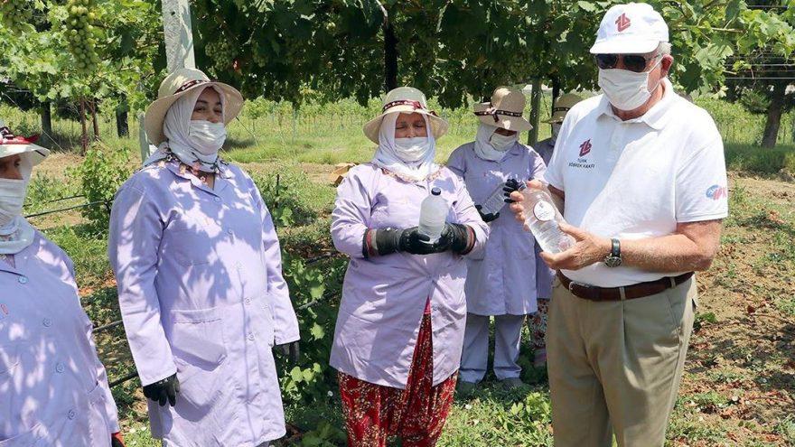 Türk Böbrek Vakfı, tarım işçilerine su dağıttı