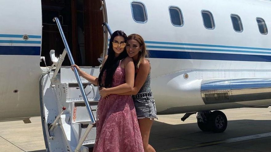 Sıla Doğu, çalışan personelleri için özel uçak kiraladı