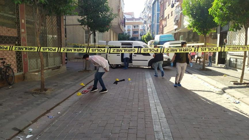 İstanbul'da silahlı saldırı! 10 ve 18 yaşındaki iki kişi vuruldu