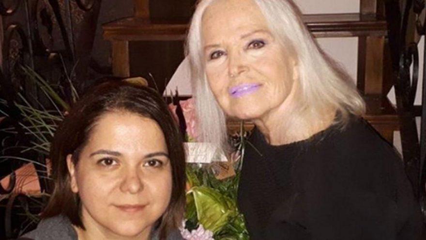 Gönül Yazar ve Erol Simavi'nin kızı Yasemin Simavi dünyaevine girdi