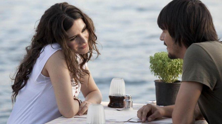 Aşk Tesadüfleri Sever konusu ve oyuncuları… Aşk Tesadüfleri Sever'de kimler oynuyor?