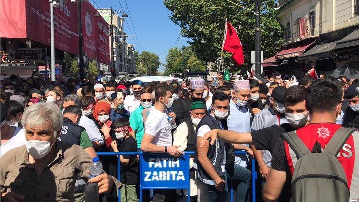Vali Yerlikaya'dan Ayasofya açıklaması: Girişler durduruldu