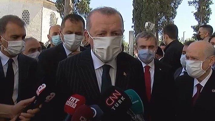 Cumhurbaşkanı Erdoğan: Ayasofya'da namaza 350 bin kişi katıldı