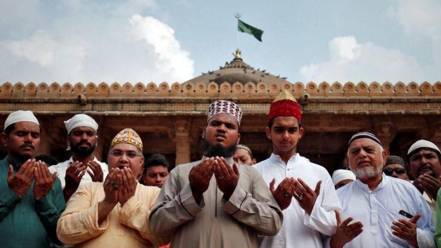 Hindistan'da tartışma yaratan karar: Babür Camii, Hint tapınağına çevrilecek