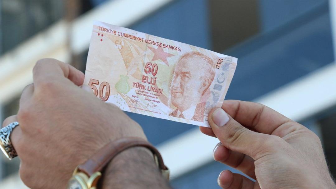 50 TL'lik banknot için 75 bin lira istiyor