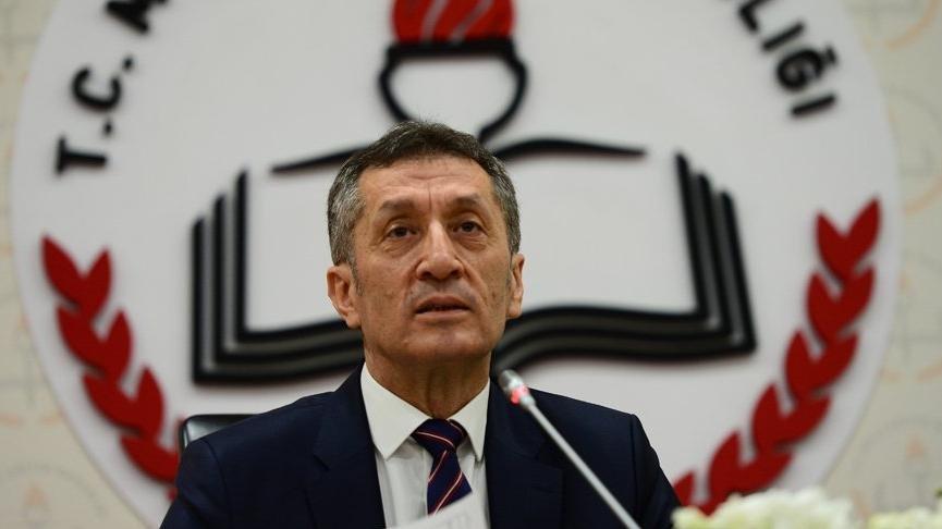 Milli Eğitim Bakanı Selçuk'tan okulların açılmasına yönelik flaş açıklama