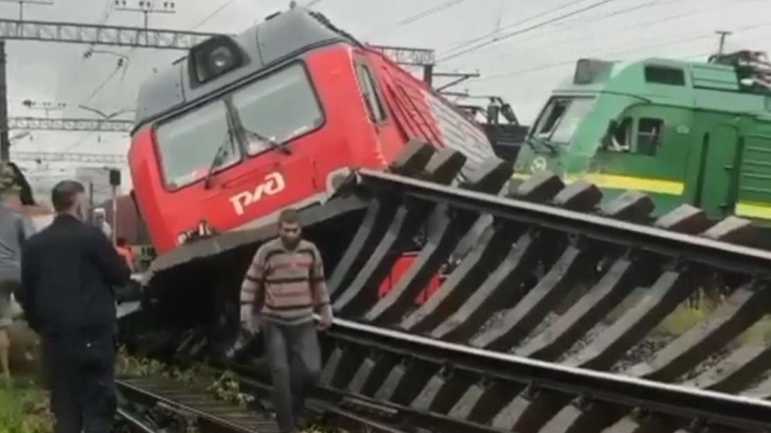 Rusya'da yürekleri ağızlara getiren tren kazası!