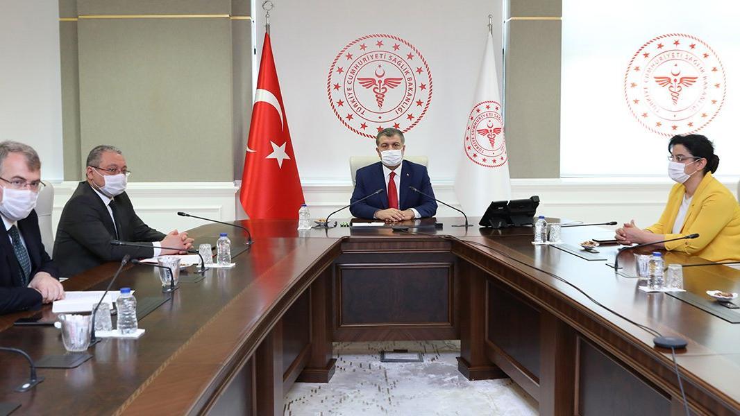 Sağlık Bakanı Koca, il sağlık müdürlüklerine bayram talimatları verdi