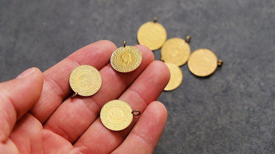 Güncel altın fiyatları son durum: Çeyrek altın 745 lira oldu!