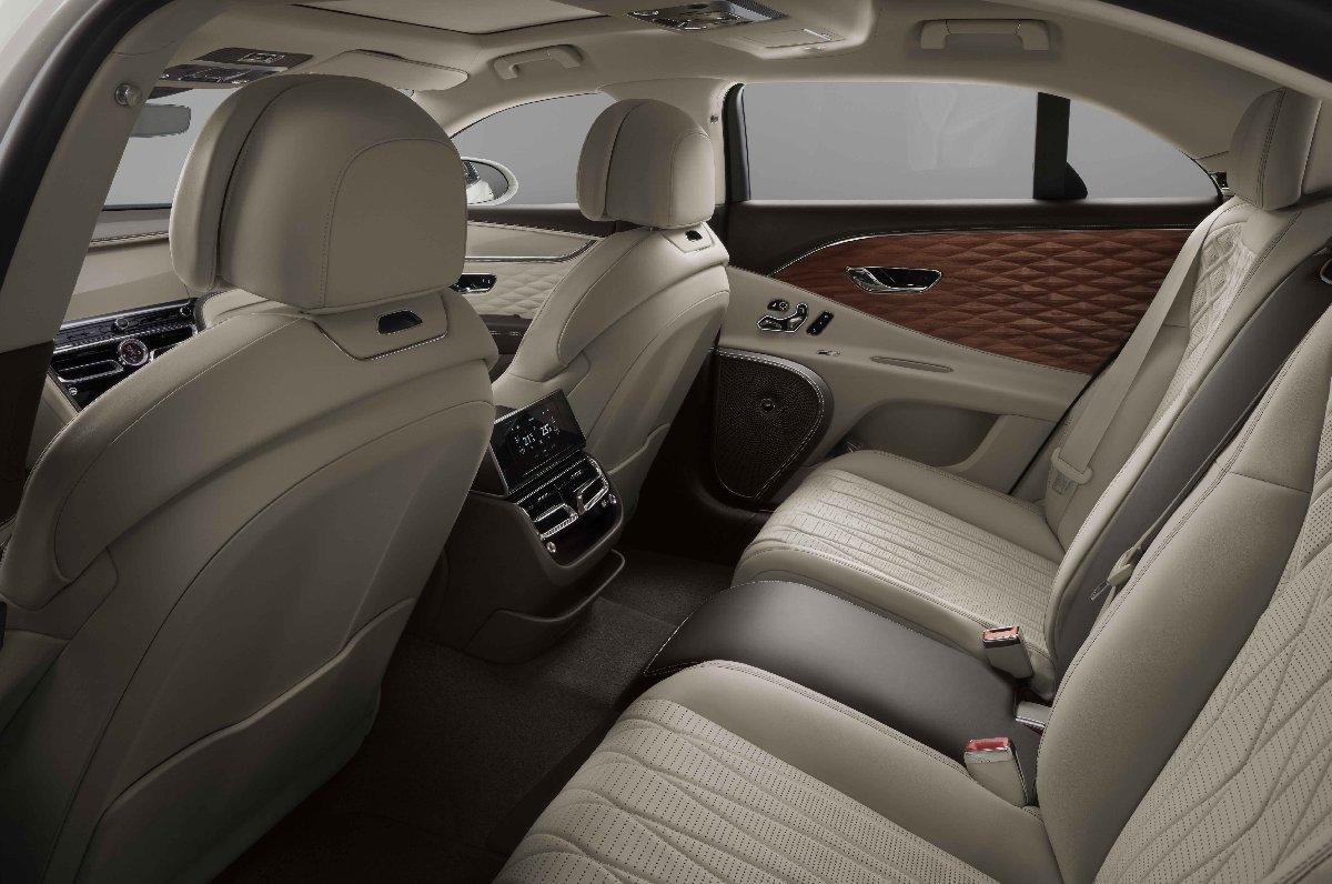 Bentley'den dünyanın ilk üç boyutlu ahşap kaplaması!