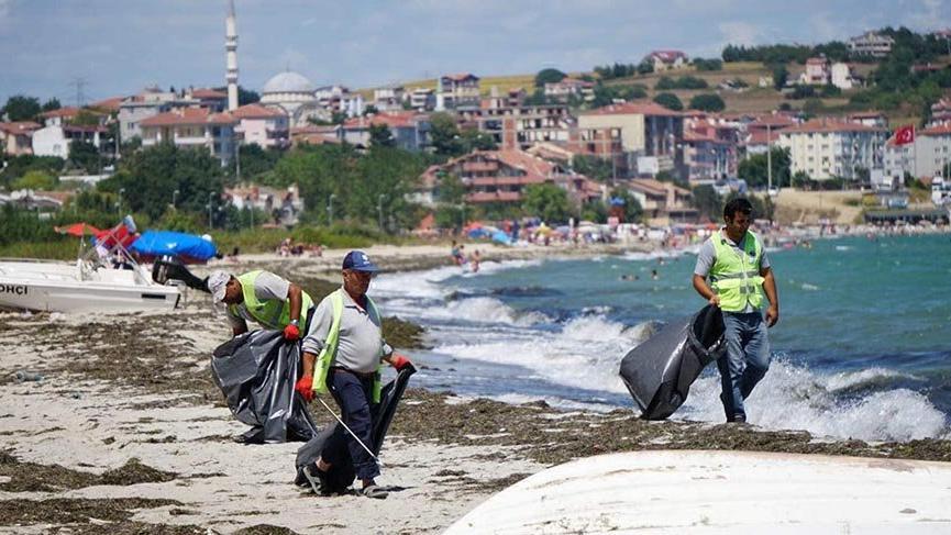 Tekirdağ'ın tatil beldesinde 500 ton çöp toplandı