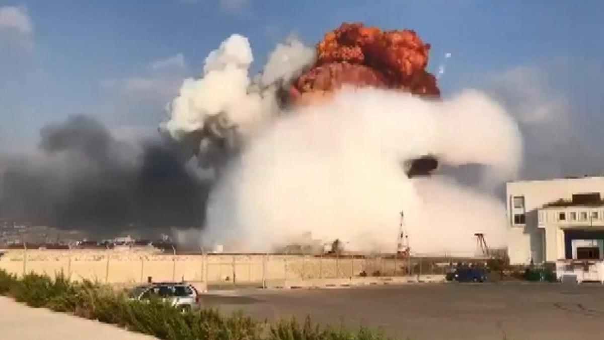 Lübnan'daki patlamayla ilgili çarpıcı iddia: Tek başına patlayamaz!