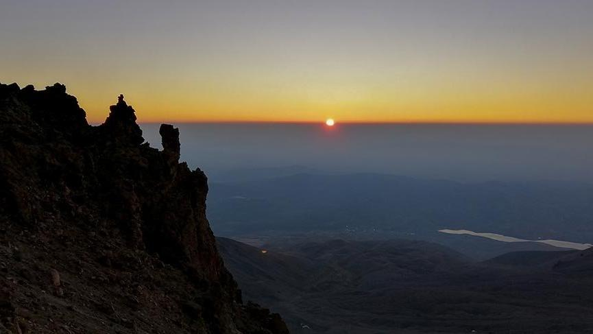 Erciyes'te tarifeli zirve tırmanışları başlıyor
