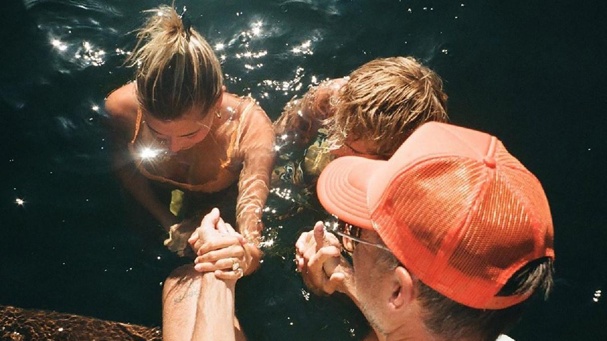 Justin ve Hailey birlikte vaftiz oldu