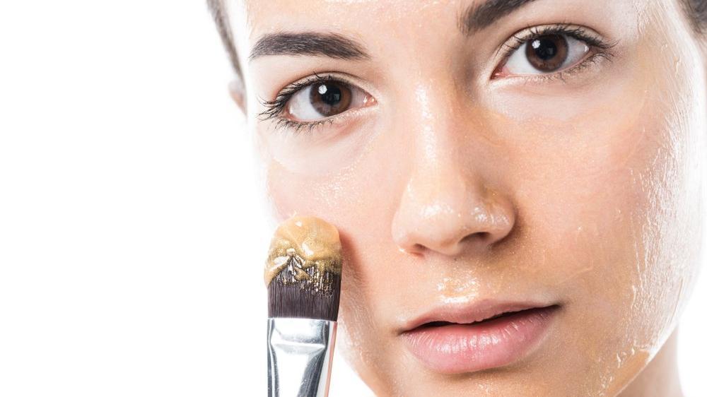 Bal maskesi tarifi… Yüzü yumuşacık yapan bal maskesi nasıl yapılır?
