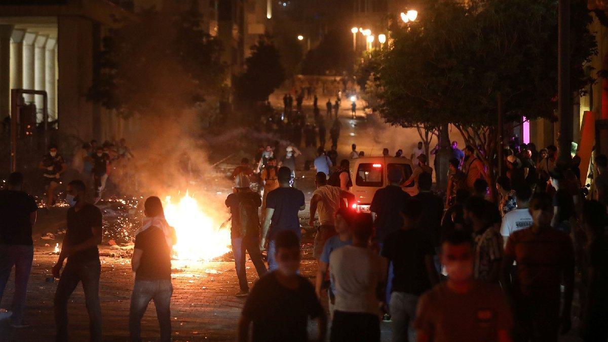 Lübnan'da facianın ardından tansiyon düşmüyor! Sokaklar savaş alanı