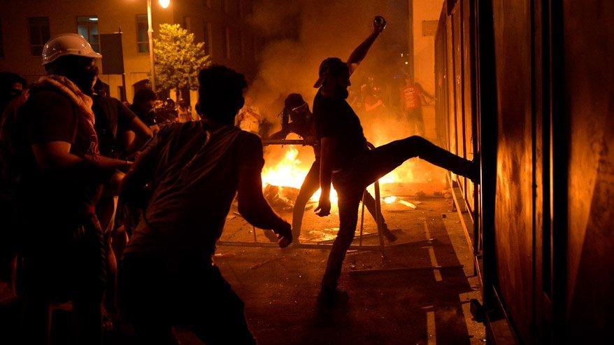 Lübnan'daki protestoların şiddeti artıyor! - Dünya haberleri