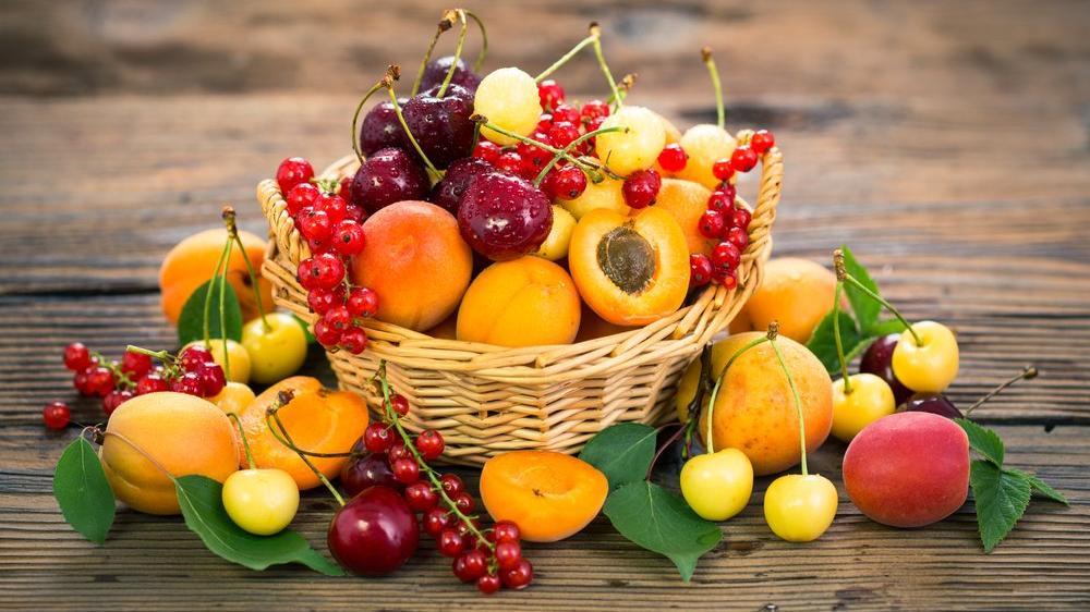 Yaz aylarında zayıflatan meyveler
