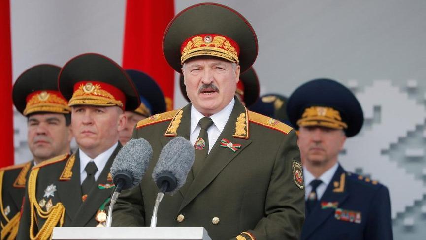 Belarus batı sınırına asker yığdığını açıkladı