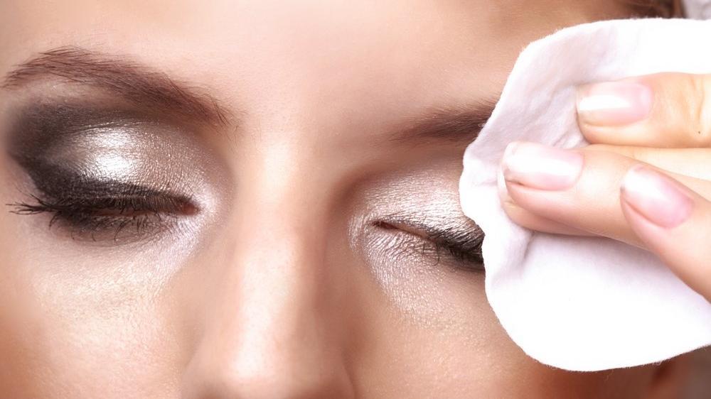 Makyaj çıkarmak için kullanılacak doğal formüller…