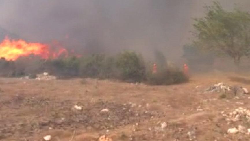 Antalya'daki orman yangınında hortum paniği!