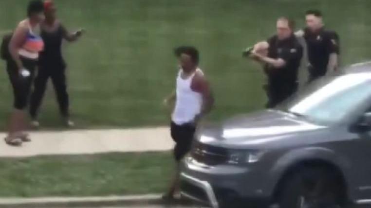ABD'de korkunç olay: Polis silahsız adamı öldürdü