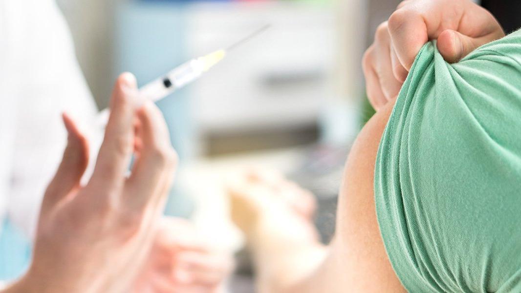 Corona zatürre aşısında yoğun talebe sebep oldu! Aile hekimleri aşı bulamıyor