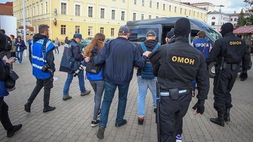 Belarus'ta çok sayıda eylemci ve gazeteci gözaltına alındı
