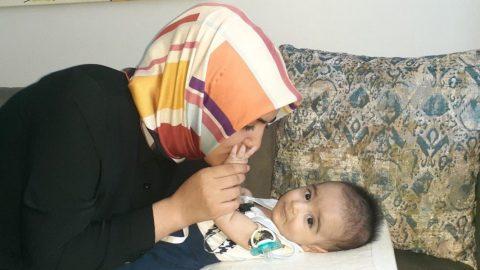 SMA hastası Aziz ilacını bekliyor