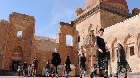 Tarihi İshak Paşa Sarayı, kapılarını modaya açtı