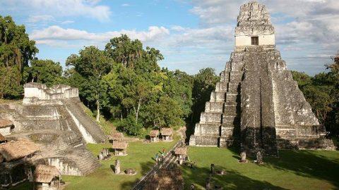 Maya Uygarlığı'nın izlerini taşıyan Tikal