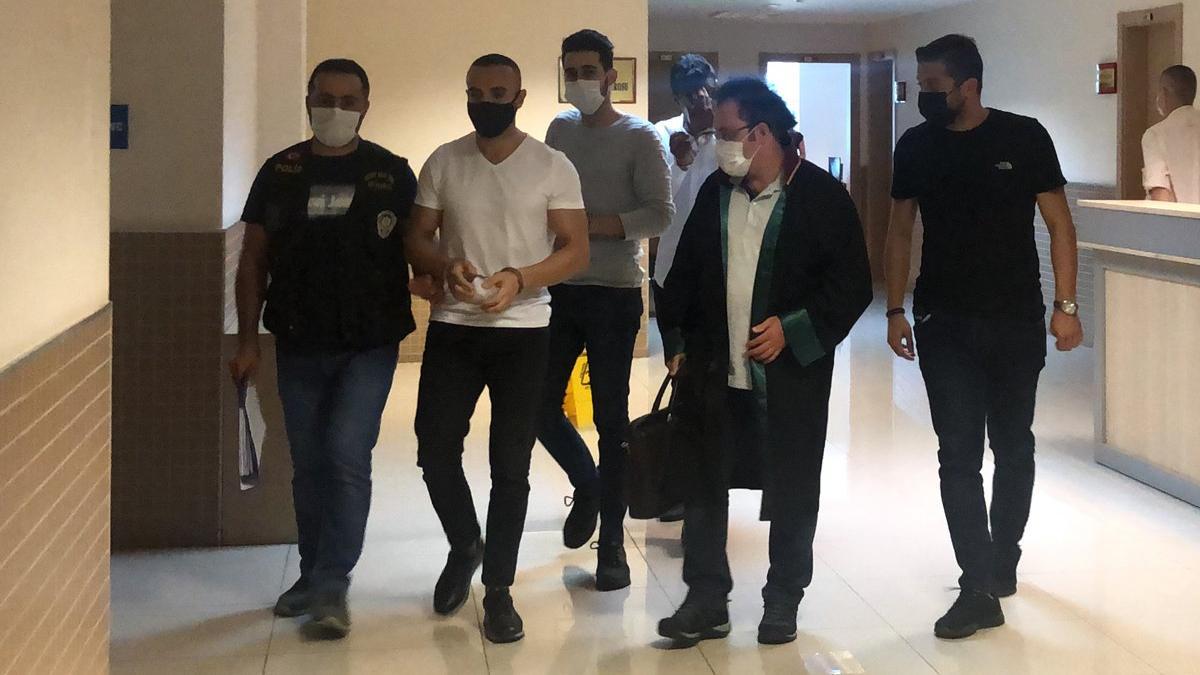 Barış Atay'a saldıranlardan üçü tutuklandı