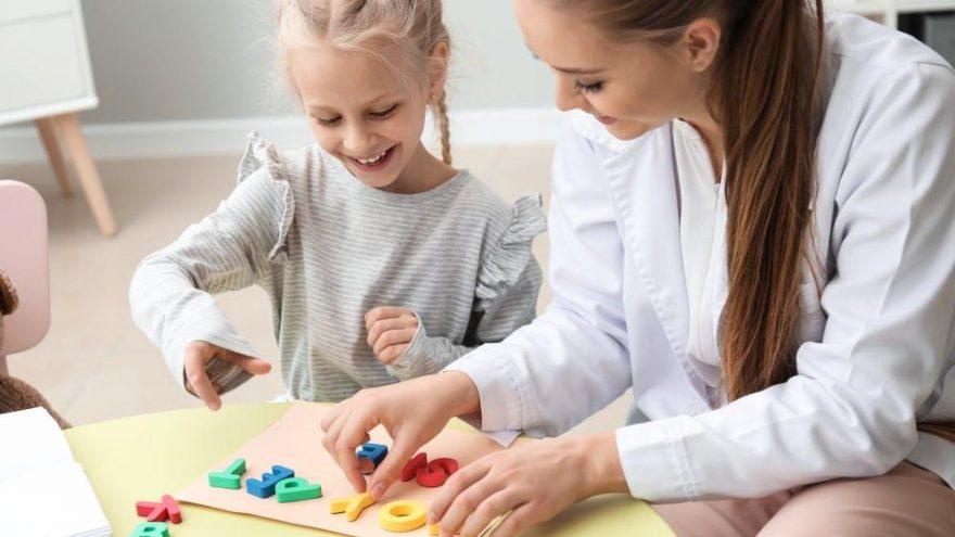Kekemelik neden olur? Çocuklarda kekemelik tedavisi…