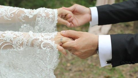 Coronaya yakalanan yeni gelin düğün düğün gezdi! Köy karantinaya alındı