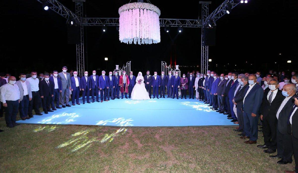 AK Parti Kocaeli Milletvekili Cemil Yaman'ın oğlu, 1500 kişilik düğünle dünyaevine girdi 2 – corona akp sozcu 4