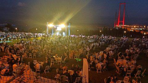 Yasağa rağmen AKP'li vekilden 1.500 kişilik düğün!