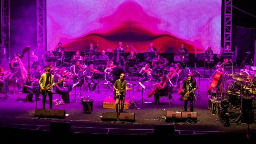 89. İzmir Enternasyonal Fuarı'nda Mor ve Ötesi'nden senfonik rock konseri
