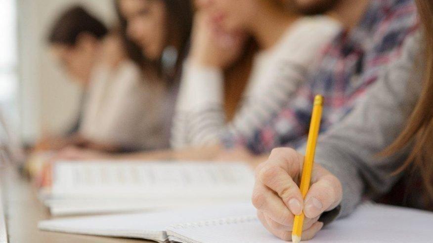 KPSS'de isyan ettiren iddia: Coronalılar aynı okulda sınava girdi, gözetmenlere haber verilmedi