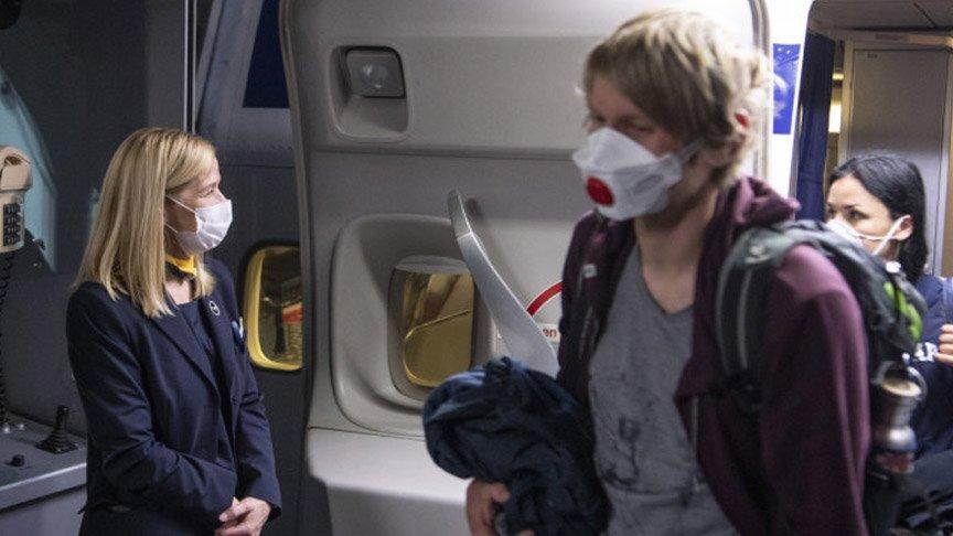 Maske krizi çıkaran İngiliz yolcu uçağa acil iniş yaptırdı
