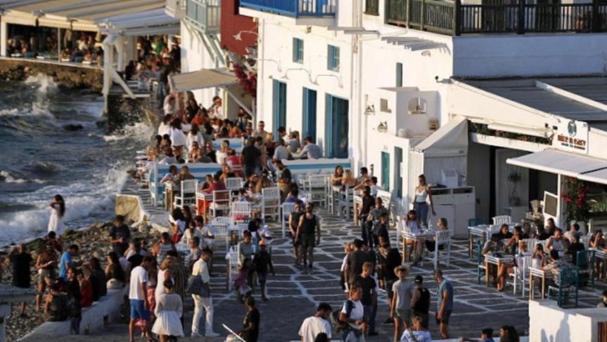 60 bin İngiliz turist,kırmızı listeye giren 7 Yunan adasında mahsur kaldı