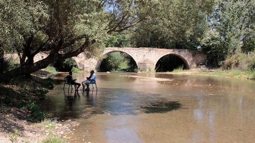 Osmanlı kervanlarının Büyük Menderes'i aşmasını sağlayan tarihi Hançalar Köprüsü