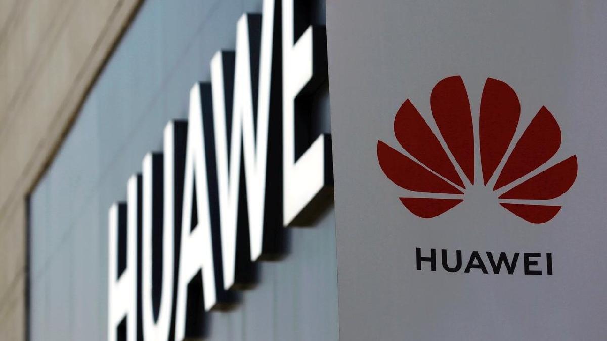 Huawei'ye bir darbe de Samsung ve LG'den