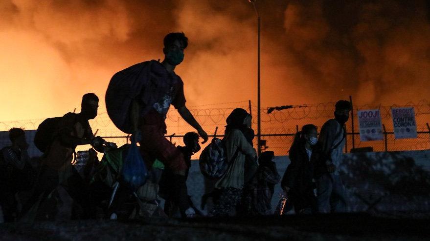 Yunanistanda en büyük mülteci kampında yeniden yangın çıktı