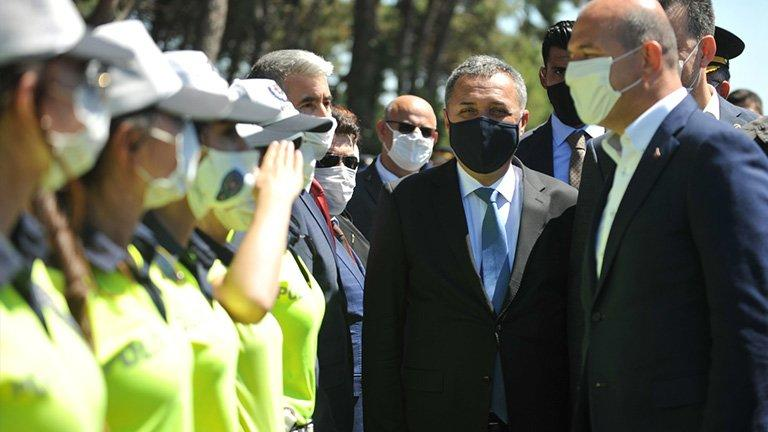 Emniyet müdürü, yakaladığı 4 polise maske cezası kesti