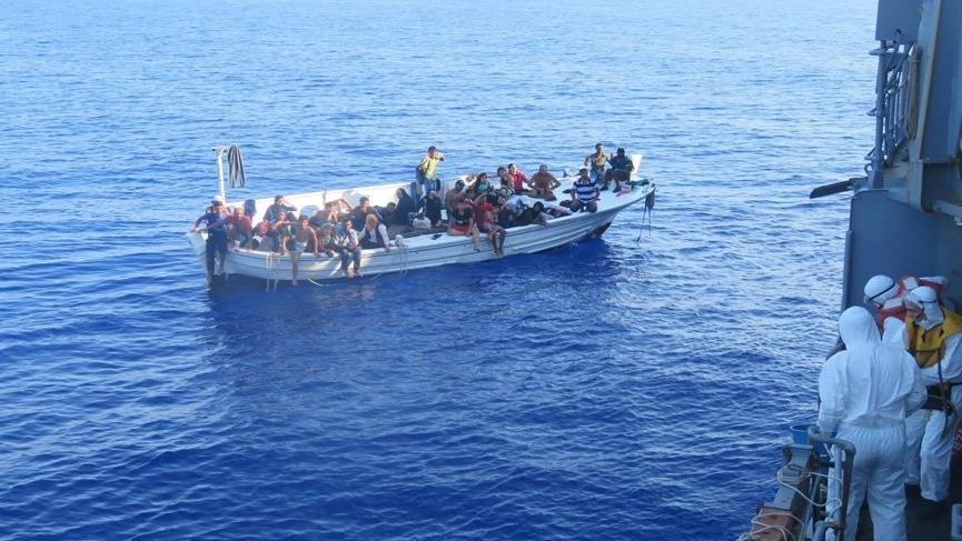 MSB: Lübnan açıklarında görev yapan Türk korveti 37 göçmeni kurtardı!