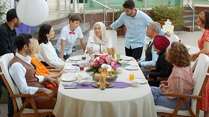 Türkan Hanım'ın Konağı dizisinin oyuncuları ve konusu nedir?