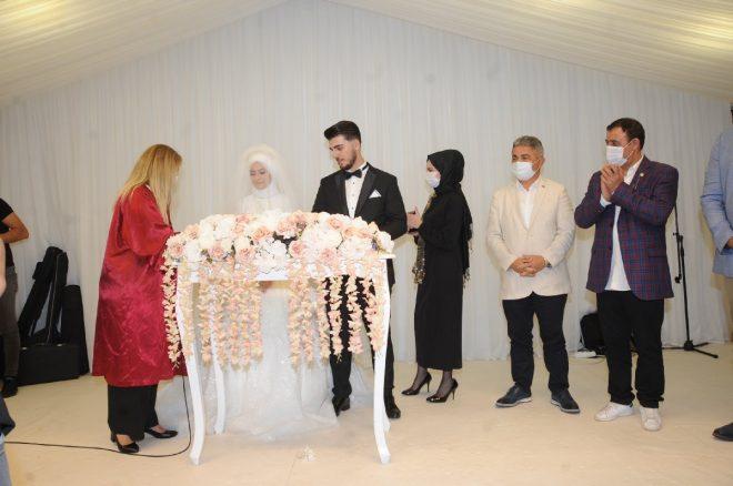 Mahmut Tuncer yakın arkadaşı Abdurrahman Delen'in oğlunun nikah şahidi oldu - Magazin haberleri