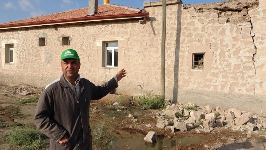 Niğde Valisi'nden deprem açıklaması: 143 ev hasarlı!